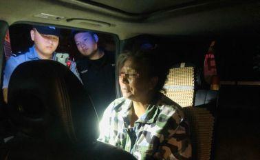 1名女子正在高速应急车道内徘徊,被宿迁交警发现