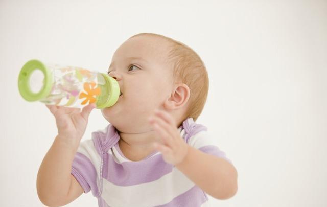 最热的天气来临了,宝宝容易生病,饮食上这3件事要少做
