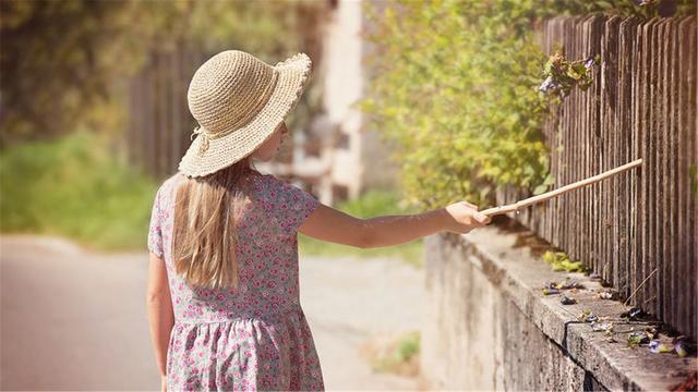 """情商高的女人,很少說情話,但會用""""套路""""抓牢男人心"""